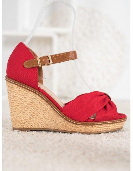 Štýlové sandále s korálkami