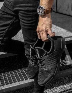 Čierne sneakersy s priesvitnou časťou