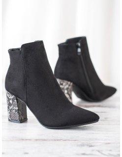 Kožené fialové sandále