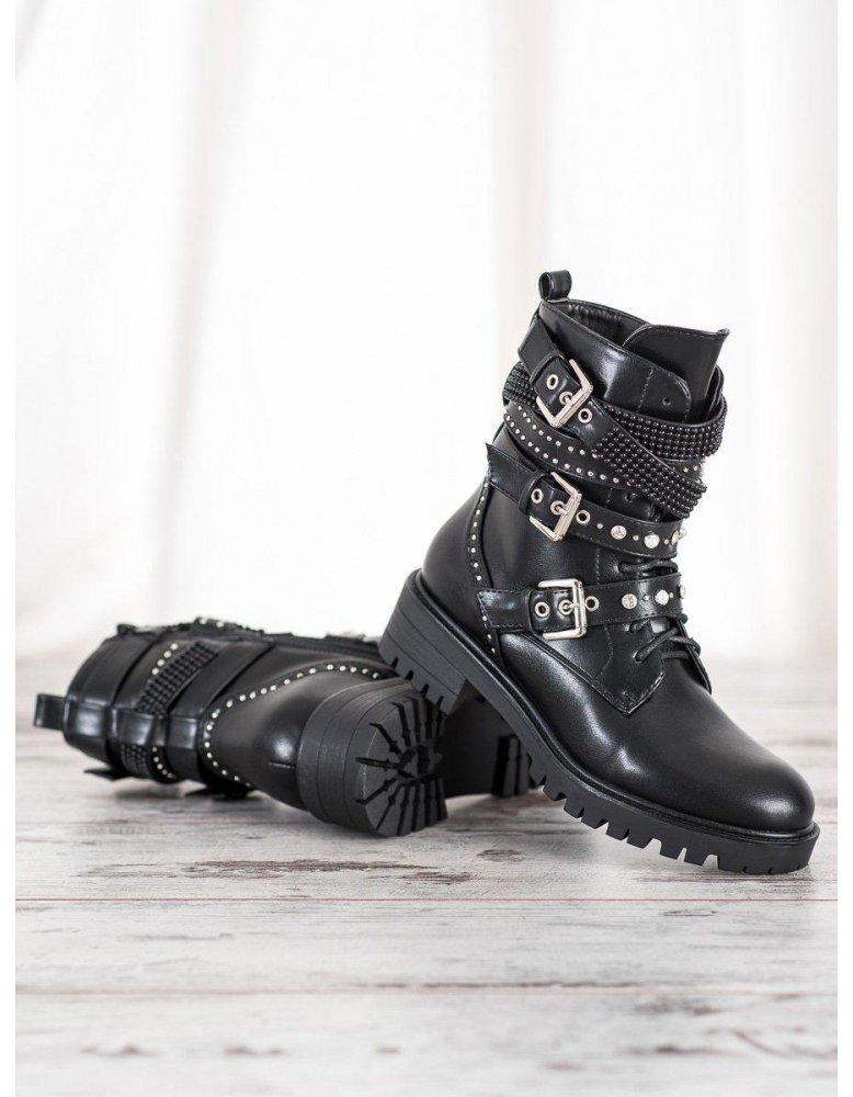 f013671272b7 ... Strieborné vysoké sandále so zapínaním na sponu · Sandále ...