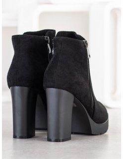 Čierne sandále s gumičkou