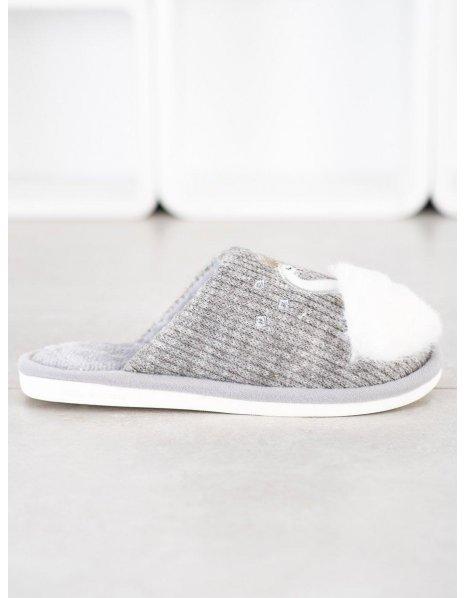Ploché sandále s cvokmi