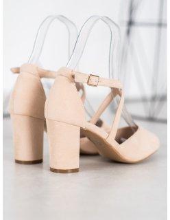 Neformálne ploché sandále