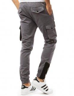 Neformálne čierne sako s decentným kockovaným vzorom