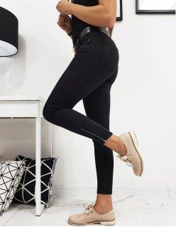 Čierne členové topánky na nízkom opätku