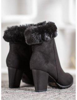 Čierne kamienkové topánky na stĺpcovom opätku